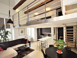 50 m de la plage, 75 m2, Loft-duplex 4 a 7 pers, 3 pieces, Vieux-Nice & centre