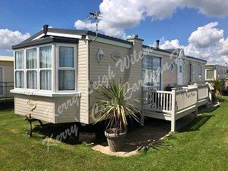 Kerry's Cosy Caravan 'Danny' 8 berth luxury van, Fantasy Island, Ingoldmells