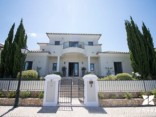 Private Deluxe 5 Bedroom Villa Well Located Between Vale do Lobo and Almancil
