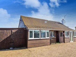 6 Berth Lodge in Lees Holiday park  in Hunstanton Ref 13000