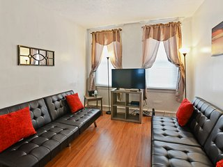 Spacious Townhouse w Plenty Amenities/South Philly