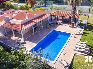 Casa Pequena - Welcoming 5 bedroom villa between Vale do Lobo and Quinta do Lago