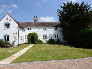 ryton grange historic farmhouse plus newly converted barn accomodates 18 (12+ 6)
