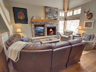 Starfire 1979 Large Townhome for a Family Vacation By Summitcove Lodging