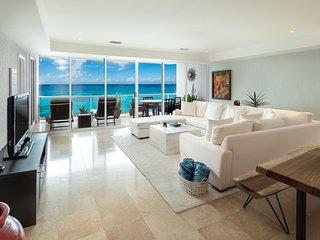 Gorgeous 3000 Sq. Ft. Oceanfront 3 Bedroom Condo!!
