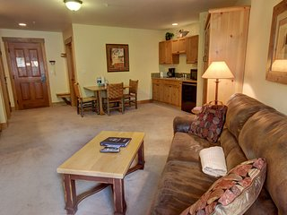 Two units combine to make a great 2 bedroom by SummitCove Lodging