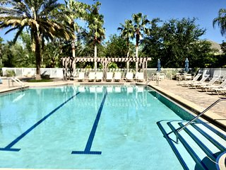 3BR Condo / 1300 sf Resort-Style Amenities with Amazing views Palm Coast