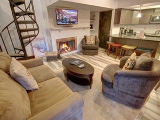 Combo 2 bedroom/Studio at Wild Irishman by SummitCove Lodging