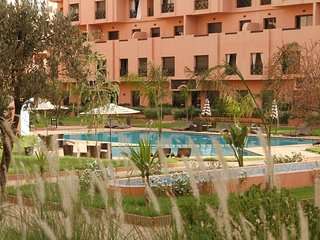 Un appartement chic dans residence avec piscine