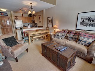 Silver Mill 8304 Newly Updated 1 Bdrm Condo by Summitcove Lodging
