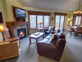 Springs 8910 Top Floor 2 bdrm with Mountain Views by Summitcove Lodging