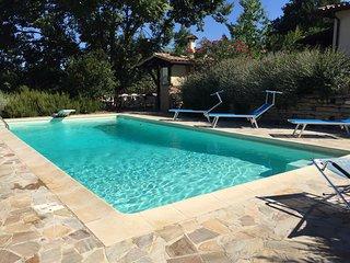 Elegante appartamento in villa con piscina a Perugia