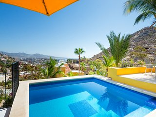 Villa Los Geckos, Walk to Town, Pedregal Luxury, WiFi