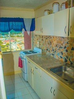Fully equipped kitchenett