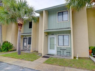 NICE 2BR, 2 BATH TOWNHOUSE,11 POOLS GULF HIGHLANDS, POOL ON BCH