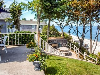 Amazing Views Stella Beach house 4br sleeps 11 3k - 15k a month
