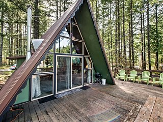 'Alpine Annie's' Packwood Forest Cabin w/ Deck!