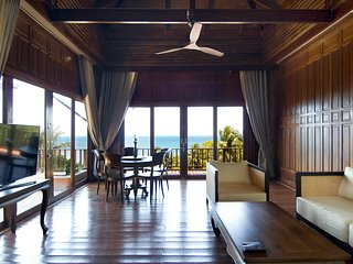 Traditional Thai Style Sunset Island View Villa