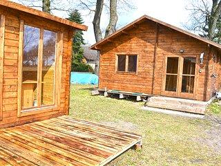 Schönes Holzhaus auf altem Resthof