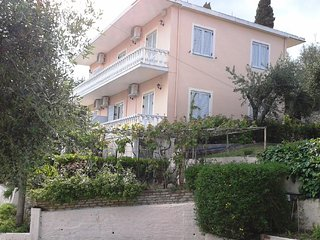 Apostolos & Eleni Family Apartments in Perama Corfu