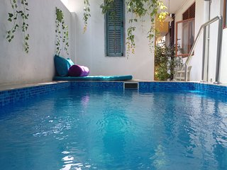 Villa in Old Galle Road with Plunge pool & jacuzzi