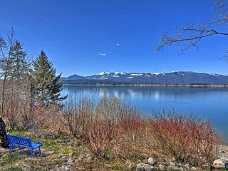 Cozy Sagle Home On Lake Pend Oreille w/Boat Dock!