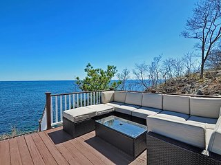 Magnolia Tides: Multi-level waterfront home