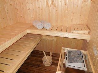Horaires à convenir dès votre arrivée pour le sauna qui accueille 03 personnes.