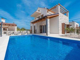 4 bedroom Villa in Brodarica, Sibensko-Kninska Zupanija, Croatia : ref 5620801