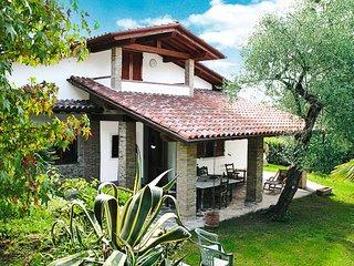 3 bedroom Villa in Piano di Mommio, Tuscany, Italy : ref 5447664