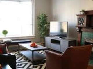 Magnificent DowntownTrendy Queen Street W Suite- Newly Renovated.