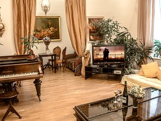 Luxury apartment in the heart of Saint Petersburg