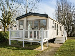 Hayward (LY24) - Hopton on Sea (near Great Yarmouth/Lowestoft) No Dogs
