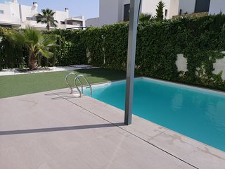 Villa Argentina. Nice and modern house with privat pool, near the sea and golf