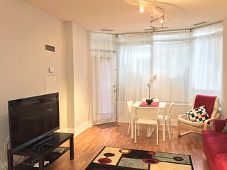 Superior 1 BR Suite - Square One, Mississauga