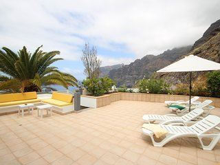 Comfortable house, amazing sea view, Los Gigantes