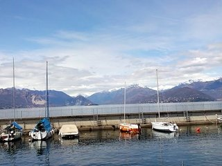trilocale splendida vista lago Maggiore affittasi