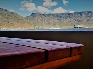 2 bedroom Self Catering Apartment in heart of Cape Town