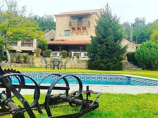 Casa con piscina y bien situada en Mondariz, con piscina y jardín privado