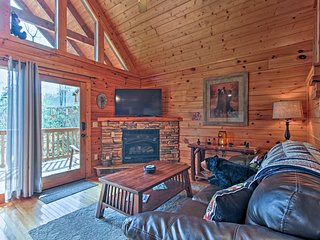 'Honey Bear Lodge' Gatlinburg Mtn Cabin in Resort!