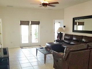 MAGIC LANDING (1907ML) - 4BR Pool Home with Lake View, 2 Master Suites, Games Ro