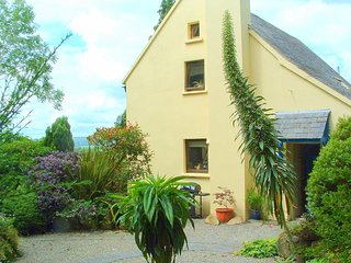 Granary Cottage.100 years young, all modern conveniences and countryside views.