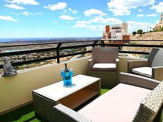 LOVELY OASIS ZEN, Modern Apartment in Bonalba Golf Alicante, Sea & Golf views