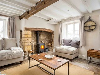 Heath Cottage is a lovely, Grade II listed cottage, located in Stow-on-the-Wold