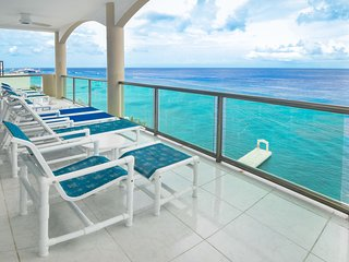 4200 square feet of paradise Oceanfront Seaviews at El Cantil PHAS*