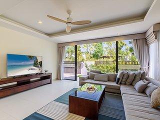 Alta 4 bedroom pool villa 800m to Bangato Beach