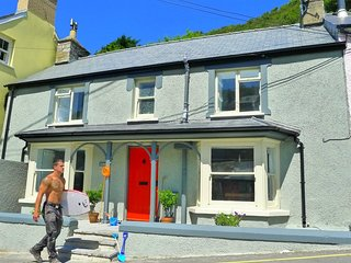 Beach Cottage in Llangrannog - just yards from the sea!