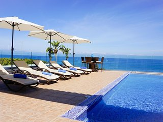 Villa Aqua Marina - Modern Luxury Beach Front Villa with Panoramic Views