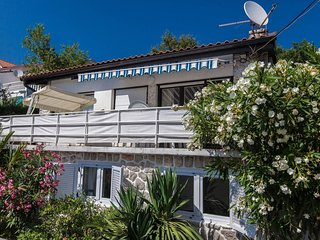 Private accommodation - holiday house Crikvenica 2339 2-room-suite