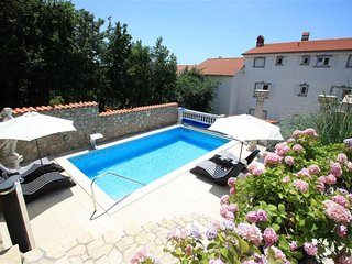Private suites Crikvenica 2224 3-room-suite